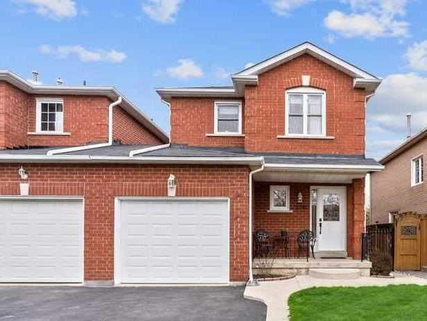 2381 Springfield Cres