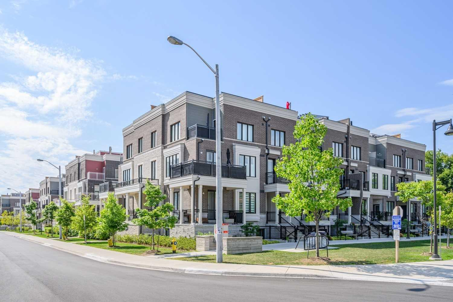 Awesome Townhouses For Sale In Toronto Search Mls Zoocasa Home Interior And Landscaping Mentranervesignezvosmurscom