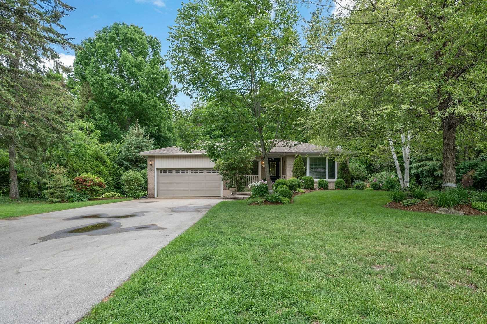 15 Erin Heights Dr