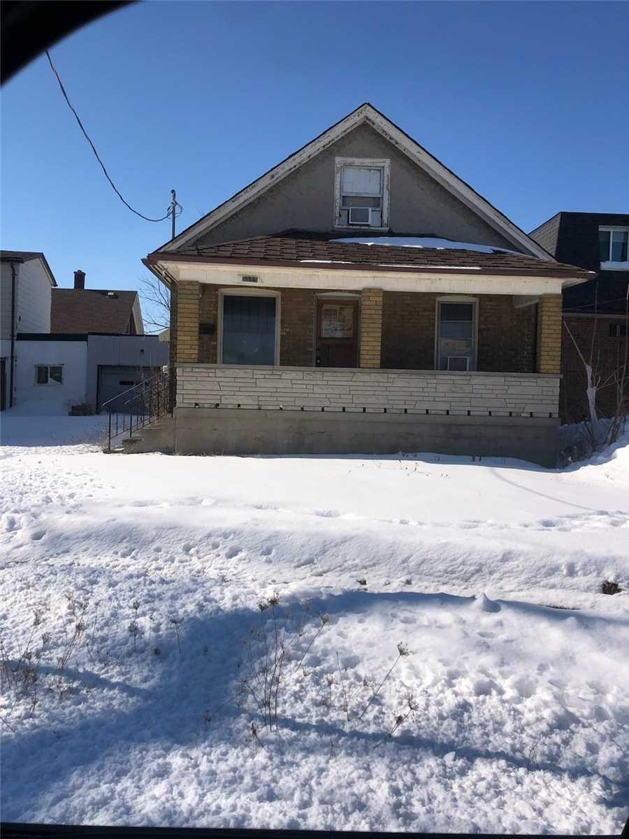 5589 Portage Rd