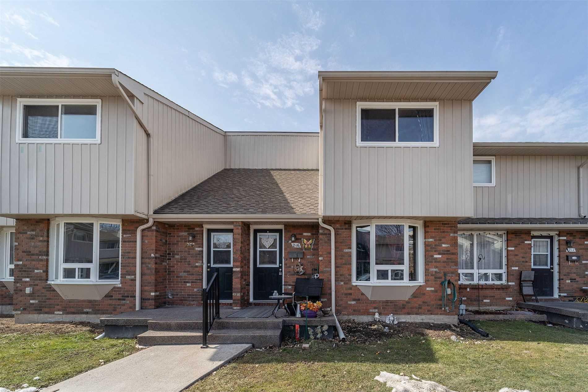 216 - 100 Brownleigh Ave