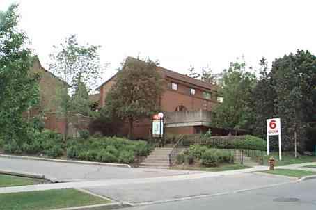 th 82 - 6 Esterbrooke Ave