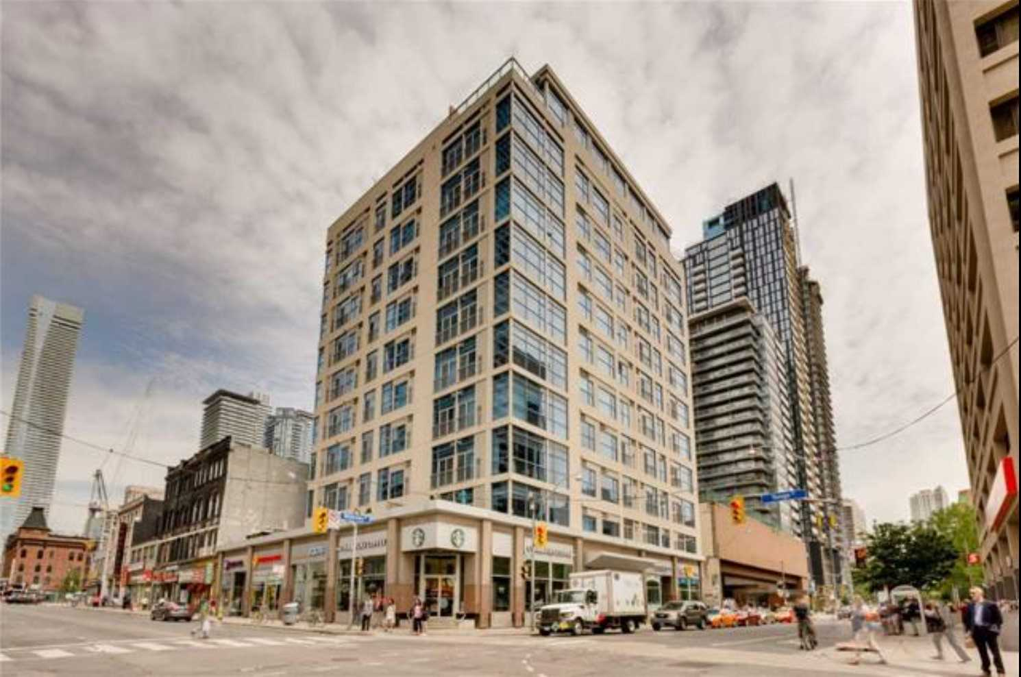 1007 - 8 Wellesley St E