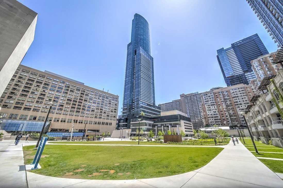 1106 - 386 Yonge St